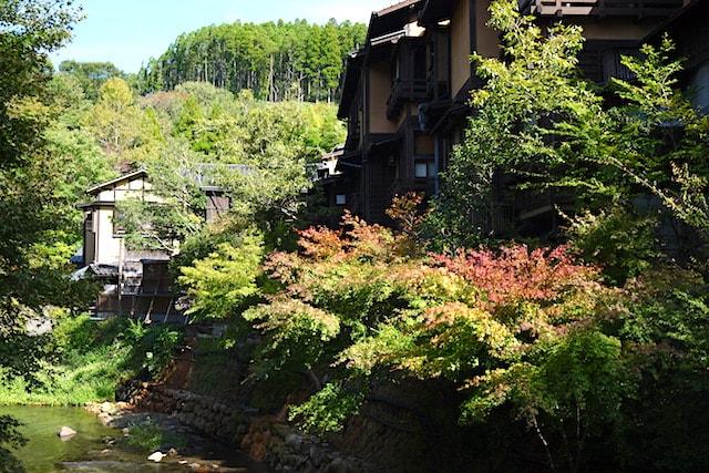 kurokawa-onsen-autumn