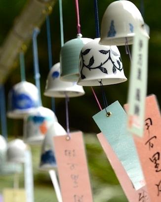 porcelain-wind-chimes-Okawachiyama