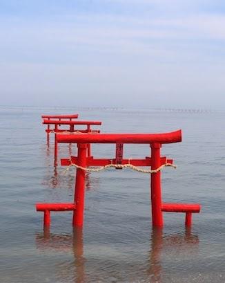 tori-gate-sea-kyushu