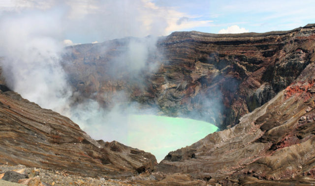 Day 5: Mount Aso volcano crater - get your camera ready!